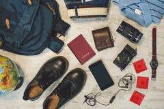 Να προετοιμαστεί για την υπαίθρια έννοια δραστηριότητας ταξιδιού στοκ εικόνες