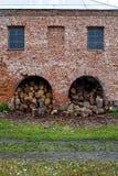 Να προετοιμαστεί για το χειμώνα - παραγωγή καυσόξυλου Στοκ φωτογραφία με δικαίωμα ελεύθερης χρήσης