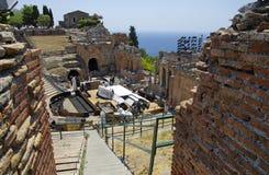Να προετοιμαστεί του θεάτρου αρχαίου Έλληνα Taormina για την απόδοση της Aida στοκ φωτογραφία
