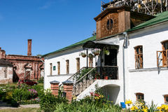 Να στηριχτεί στο έδαφος του μοναστηριού της απόθεσης Στοκ Εικόνα