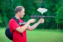 να στοχεύσει shooter πυροβόλω&n στοκ εικόνες
