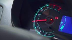 Να τεμπελιάσει ταχυμέτρων αυτοκινήτων απόθεμα βίντεο