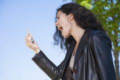 Να φωνάξει στο τηλεοπτικό smartphone κλήσης Στοκ Εικόνες