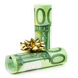 Να δώσει τα ευρο- τραπεζογραμμάτια ως δώρο Στοκ Φωτογραφία
