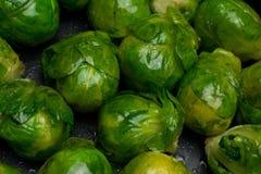 Νεαροί βλαστοί των Βρυξελλών που μαγειρεύονται Στοκ εικόνα με δικαίωμα ελεύθερης χρήσης
