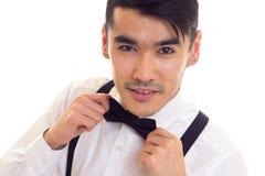 Νεαρός άνδρας με τον τόξο-δεσμό και suspenders Στοκ φωτογραφία με δικαίωμα ελεύθερης χρήσης