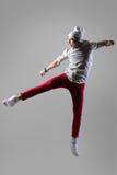 Νεαρός άνδρας που πηδά και που κραυγάζει Στοκ εικόνα με δικαίωμα ελεύθερης χρήσης