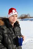Νεαρός άνδρας στο καπέλο Santa Στοκ φωτογραφία με δικαίωμα ελεύθερης χρήσης