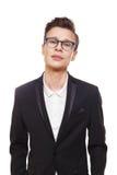 Νεαρός άνδρας στο πορτρέτο γυαλιών που απομονώνεται στο λευκό Στοκ Εικόνες