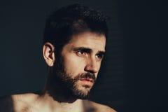 Νεαρός άνδρας λυπημένος και καταθλιπτικός Στοκ Φωτογραφίες