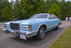 νεαρός δικυκλιστής 77. Ford LTD λαντό για την πώληση Στοκ εικόνες με δικαίωμα ελεύθερης χρήσης