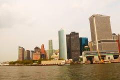 ΝΕΑ ΥΌΡΚΗ, ΗΠΑ - 31 Αυγούστου 2018: Πανοραμική άποψη οριζόντων του Μανχάταν Πόλη της Νέας Υόρκης, ΗΠΑ Κτίρια γραφείων και ουρανοξ στοκ φωτογραφίες