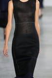 ΝΕΑ ΥΌΡΚΗ, ΝΈΑ ΥΌΡΚΗ - 11 ΣΕΠΤΕΜΒΡΊΟΥ: Πρότυπο Maartje Verhoef περπατά το διάδρομο στη επίδειξη μόδας συλλογής του Calvin Klein Στοκ Εικόνες