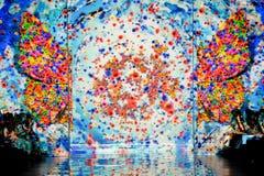 ΝΕΑ ΥΌΡΚΗ, ΝΈΑ ΥΌΡΚΗ - 6 ΣΕΠΤΕΜΒΡΊΟΥ: Υπόβαθρο διαδρόμων στην ελατήριο-θερινή 2015 συλλογή ΨΕΜΑΤΟΣ SANGBONG Στοκ Φωτογραφία