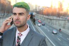 Νεβρικός επιχειρηματίας που καλεί τηλεφωνικώς Στοκ Εικόνα