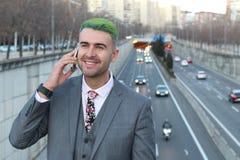 Νεβρικός επιχειρηματίας που καλεί τηλεφωνικώς Στοκ φωτογραφία με δικαίωμα ελεύθερης χρήσης