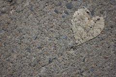 Νεκρή άδεια που διαμορφώνει μια καρδιά Στοκ Εικόνες