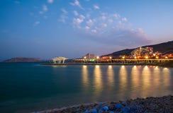 νεκρή θάλασσα βραδιού Νότια ξενοδοχεία στοκ εικόνα