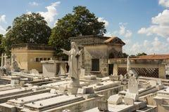 Νεκροταφείο Αβάνα άνω και κάτω τελειών τάφων Στοκ φωτογραφία με δικαίωμα ελεύθερης χρήσης