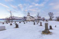 Νεκροταφείο της εκκλησίας κοινοτήτων Gimsoy, Lofoten, Νορβηγία Στοκ φωτογραφίες με δικαίωμα ελεύθερης χρήσης