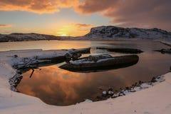 Νεκροταφείο των μικρών αλιευτικών σκαφών σε Teriberke στην ανατολή Murmans στοκ φωτογραφίες με δικαίωμα ελεύθερης χρήσης