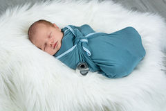 νεογέννητος ύπνος αγορα&k Στοκ εικόνα με δικαίωμα ελεύθερης χρήσης