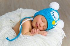 νεογέννητο χαμόγελο ύπνου μωρών στοκ φωτογραφία με δικαίωμα ελεύθερης χρήσης