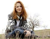 νεολαίες ακουστικών κοριτσιών μόδας Στοκ φωτογραφία με δικαίωμα ελεύθερης χρήσης