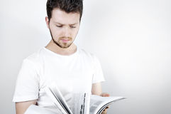 νεολαίες ανάγνωσης ατόμ&omega Στοκ εικόνες με δικαίωμα ελεύθερης χρήσης