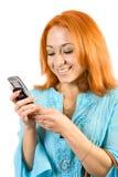 νεολαίες ανάγνωσης κοριτσιών sms Στοκ Εικόνες