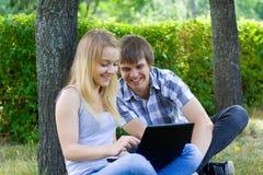 νεολαίες ανθρώπων πάρκων Στοκ Εικόνα