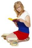 νεολαίες γυναικών ανάγν&omeg στοκ εικόνες με δικαίωμα ελεύθερης χρήσης
