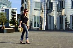 νεολαίες γυναικών αχύρο& Στοκ φωτογραφίες με δικαίωμα ελεύθερης χρήσης