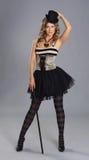 νεολαίες γυναικών βλαστών μόδας φορεμάτων τσίρκων Στοκ Φωτογραφίες