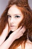 νεολαίες γυναικών ομορ& Στοκ εικόνα με δικαίωμα ελεύθερης χρήσης