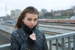 νεολαίες γυναικών σταθμών Στοκ Εικόνα