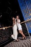 νεολαίες γυναικών συμβ&a στοκ εικόνες με δικαίωμα ελεύθερης χρήσης