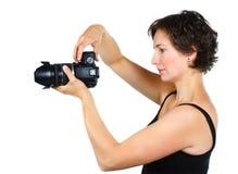 νεολαίες γυναικών φωτογραφικών μηχανών Στοκ φωτογραφία με δικαίωμα ελεύθερης χρήσης