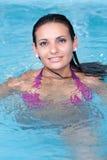 νεολαίες γυναικών ύδατ&omicron στοκ φωτογραφία με δικαίωμα ελεύθερης χρήσης