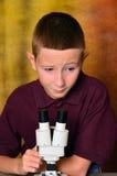 νεολαίες επιστημόνων στοκ εικόνα με δικαίωμα ελεύθερης χρήσης