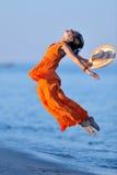 νεολαίες θερινών γυναι&kap Στοκ φωτογραφίες με δικαίωμα ελεύθερης χρήσης