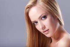 _ νεολαίες λευκών γυναι&k Στοκ Φωτογραφίες