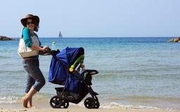 νεολαίες μητέρων Στοκ φωτογραφία με δικαίωμα ελεύθερης χρήσης