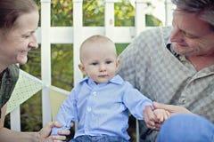 νεολαίες οικογενεια& Στοκ Εικόνες