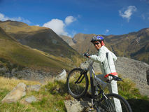 νεολαίες ποδηλατών στοκ φωτογραφία με δικαίωμα ελεύθερης χρήσης