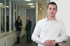 νεολαίες συναδέλφων επιχειρηματιών στοκ φωτογραφίες με δικαίωμα ελεύθερης χρήσης