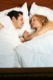 νεολαίες ύπνου ζευγών στοκ φωτογραφίες με δικαίωμα ελεύθερης χρήσης