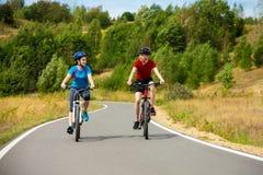 νεολαίες ποδηλατών Στοκ εικόνες με δικαίωμα ελεύθερης χρήσης