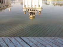 ΝΕΟ ΔΕΛΧΊ, ΙΝΔΙΑ - 18 Απριλίου 2019, Nanak Piao Sahib, Gurdwara, sarovar, λίμνη νερού στοκ εικόνα