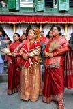 Νεπαλικές γυναίκες στα παραδοσιακά ενδύματα Στοκ Εικόνες
